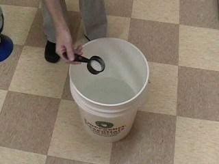 Mixing DIY urine odor remover